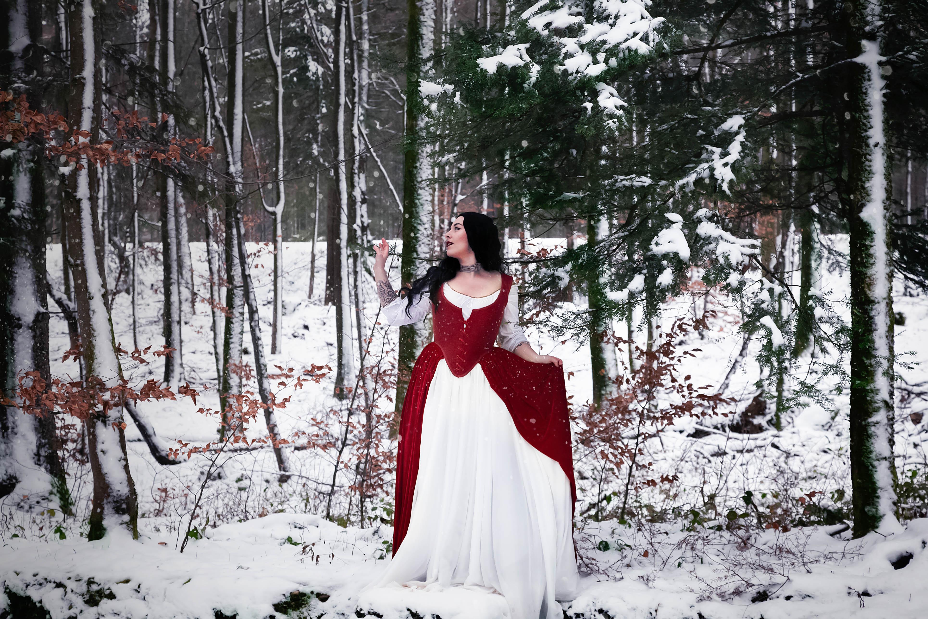Robe corsetée et ses jupes Corps baleiné d'après une pièce originale de la fin du XVIIIe siècle. Par la Maison Charlie Grilhé